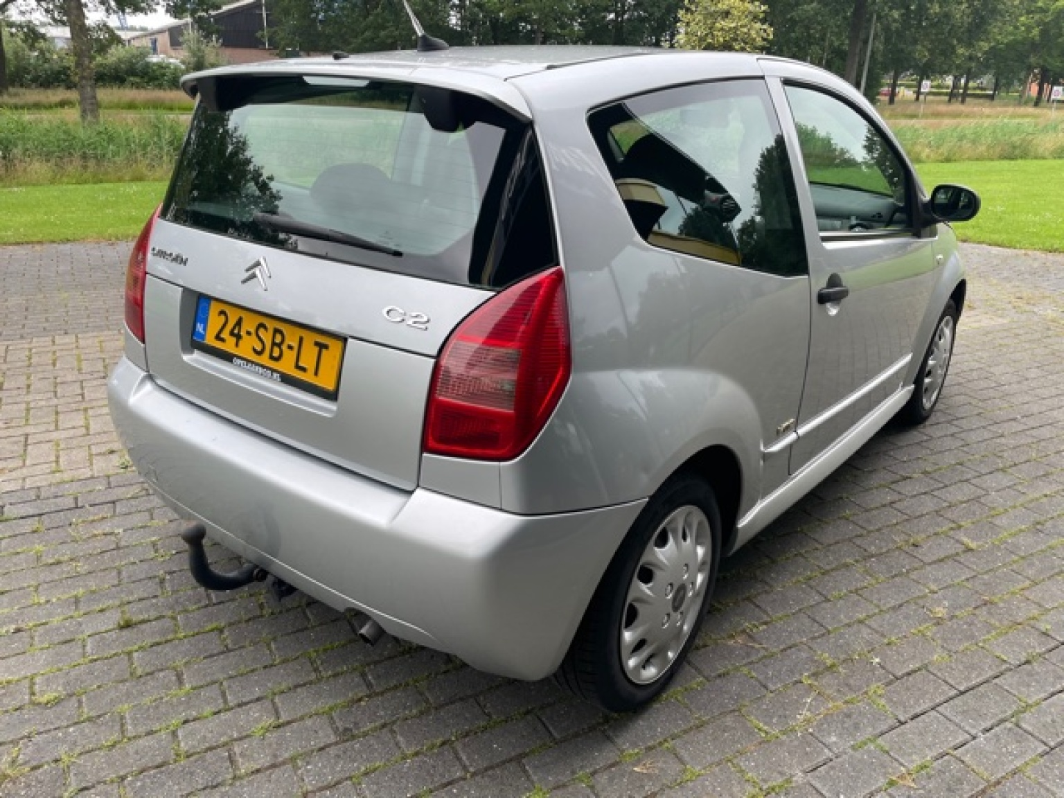 Citroën-C2-6